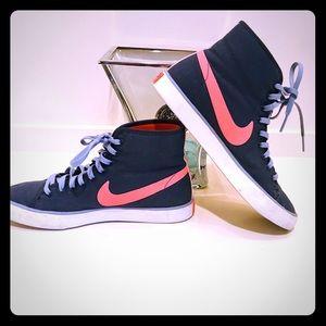 Nike High Top, Sz 7